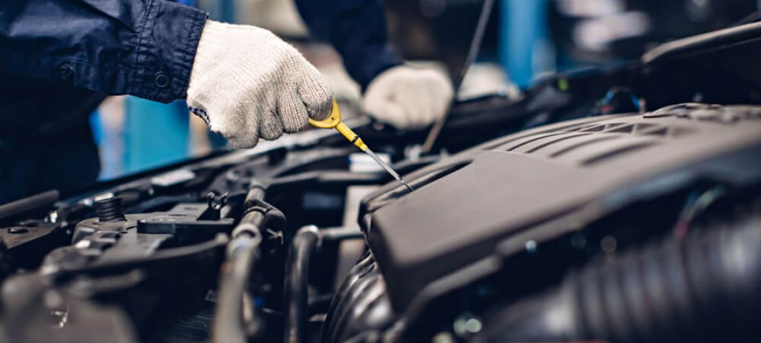 Automaattivaihteiston öljynvaihto ei onnistu itse, vaan paras tapa on antaa ammattilaisen toteuttaa automaattivaihteiston huuhtelu.